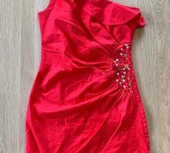 Crvena haljina na jedno rame