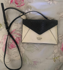 Crno-bijela Guess torbica