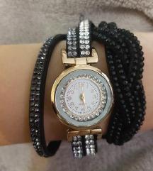 Quartz sat sa narukvicom ukrašenom cirkonima