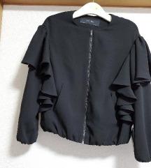 Zara jaknica s volanima