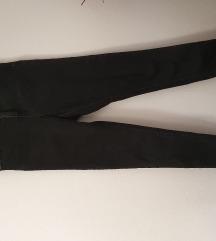 Reserved crne hlače