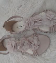 Nude sandale 38
