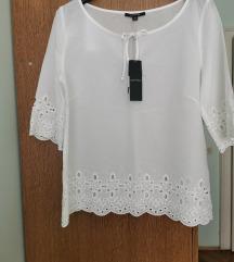Izvezena bijela bluza