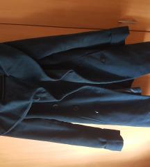 Tamno plavi kaput