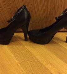 Bata crne cipele/štikle