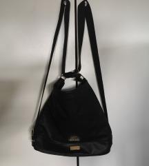 Prostrana crna torba /ruksak