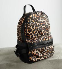 Zara ruksak s etiketom(pt u cijeni)