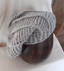 NOVA ručno izrađena siva vunena kapa UNI