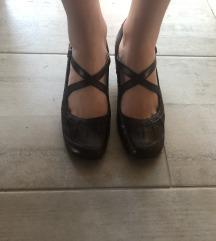 Crne kožne cipele na petu Alpina