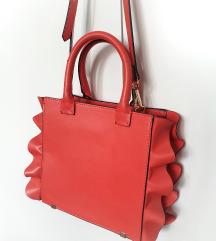 ZARA mala crvena torbica s volanima