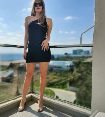 Zara crna mini haljina na jedno rame
