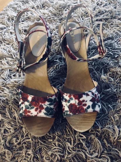 Elfs sandale