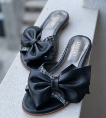 Crne kožne sandale iz Ledenka
