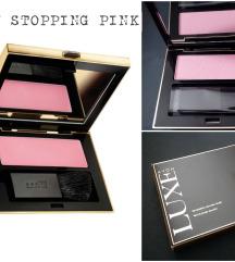 Avon Luxe Temptation rumenilo, SHOW STOPPING PINK