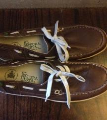 El naturalista nove cipele