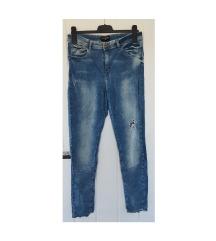 Reserved rastezljive hlače
