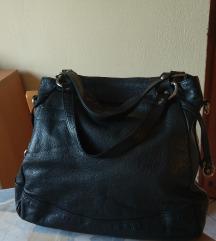 Crna kožna ženska torba