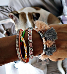 narukvica na magnet like Hipanema bracelet