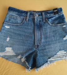 Abercrombie&Fitch kratke traper hlače NOVO