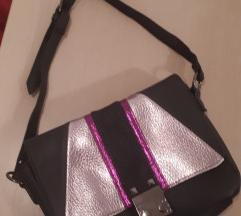 Crna mala mini torbica nova