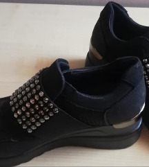 AKCIJA DO 12.07. 35 KN - Cipele crne 38 SNIZENO