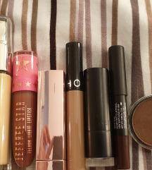 Lot kozmetike - uključena poštarina