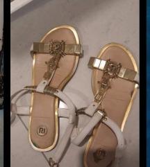 Bijelo zlatne sandale 41