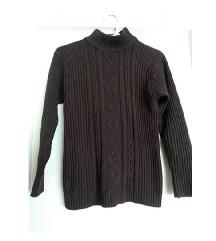 Smeđi pleteni vuneni pulover veličina M