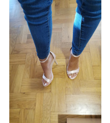 Nove Roberto sandalice