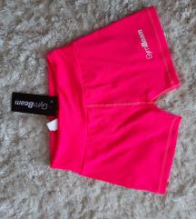 Gymbeam kratke hlače s etiketom