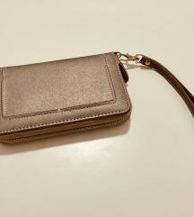 Accessorize novčanik ili torbica (clutch)