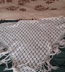 Velika bijela kukičana marama