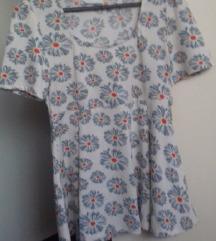 Cvjetna rastezljiva majica