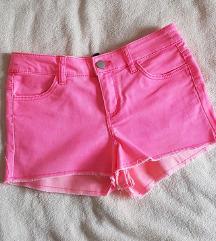 Pink kratke hlače