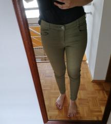 Pull&Bear zelene hlače
