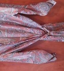 Lagana leprsava haljina s uzorkom