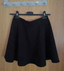 Crna suknja nenošena