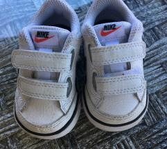 Nike tenisice 18