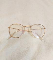 Modne naočale s plastičnim staklima
