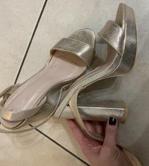 sandale s petom