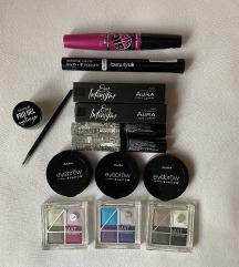 Lot make up