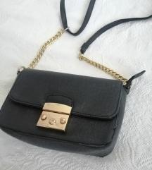 Crna torbica sa zlatnim detaljima 🖤💛