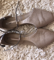 Zara zatvorene sandale 38