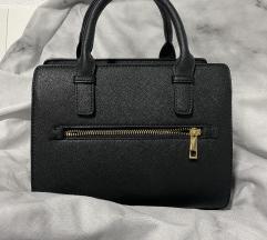 Crna torba s remenom