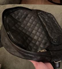 Pull&Bear crni ruksak