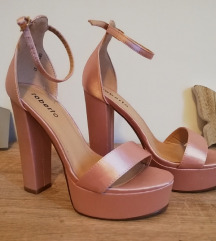 Roze stikle