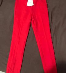 Stradivarius nove crvene hlače