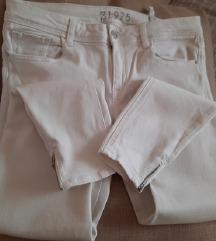 Zara bijele hlace 40