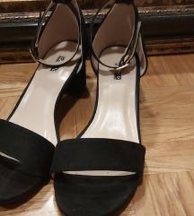 Roberto crne povišene sandale