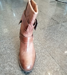 Janrt Janet čizme